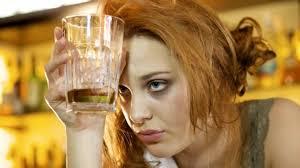 F la dependencia alcohólica
