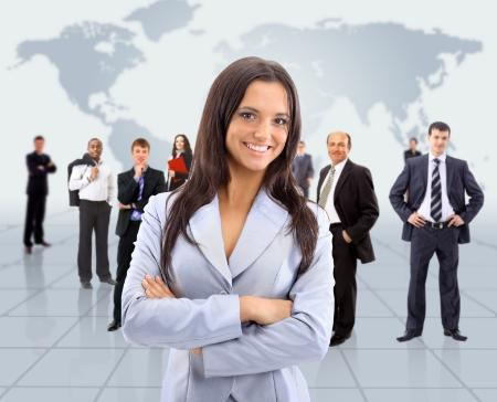 Los tipos de liderazgo no es exclusivo del hombre o la mujer. Es de las personas que posean las cualidades independientemente de su genero.